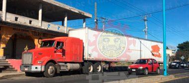 Ubican tráiler robado en la Central de Abastos de Puebla