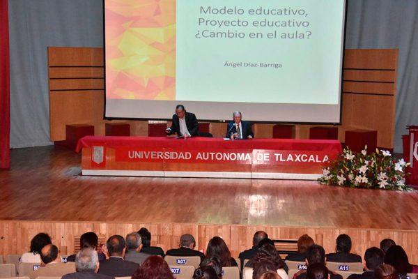 Analizan en la UAT políticas educativas