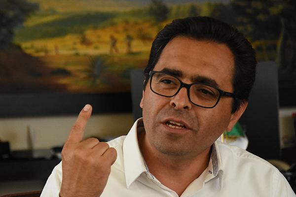 Manuel Camacho Higareda, secretario de Educación Pública en el Estado, señaló que solo una escuela va a ser reconstruida totalmente: la Técnica 41, de Xaloztoc. /Jesús LIMA