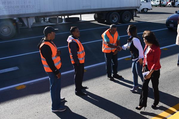 Cada 17 de octubre se celebra el Día del Caminero como un reconocimiento a la labor de los trabajadores que construyen y dan mantenimiento a las carreteras del país. / Jesús LIMA