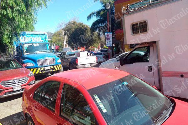 Se registra caos vehicular en la colonia López Mateos