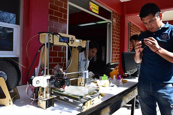 Divulgan la ciencia en la XV Semana de Ingeniería en Sistemas Electrónicos
