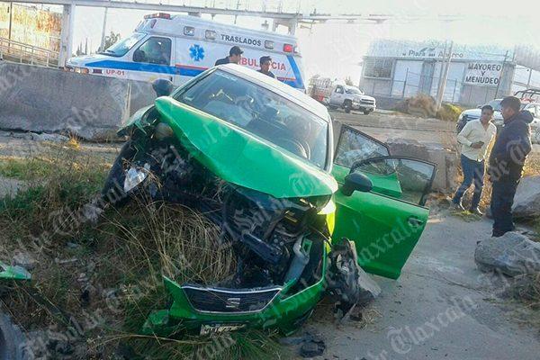"""Se registra otro accidente en el puente de """"Atlax""""; hay dos lesionados"""