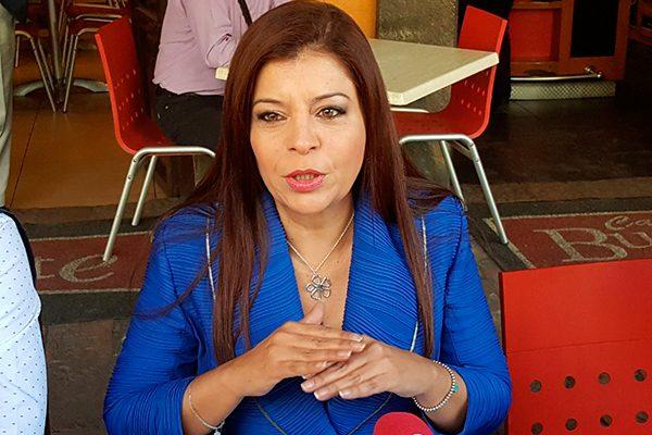 Oficializa Aurora Aguilar su aspiración al Senado y pide al PAN abrir elección