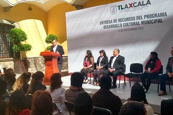 Respaldan talento de creadores tlaxcaltecas