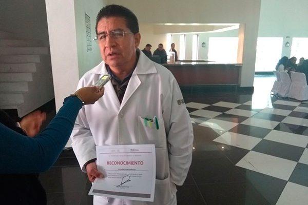 Reconocen a personal médico que laboró y apoyó a damnificados de sismos