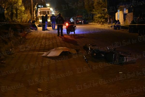 Fallece motociclista  tras chocar con un  camión estacionado