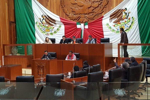 Convierten PRI y PAN a presidencias de comunidad en órganos desconcentrados subordinados de los municipios
