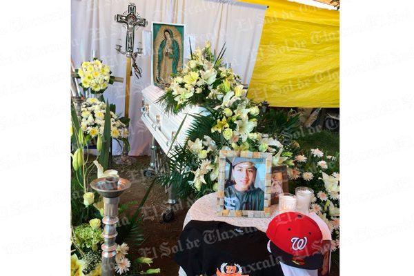 Velan los restos de joven atacado a batazos en Zacatelco