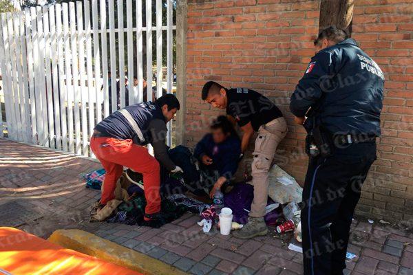 Rescata Protección Civil de Tlaxcala a indigente por riesgo de morir en la calle