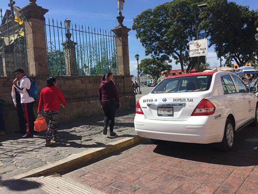 Exigen taxistas de Zacatelco mayor seguridad tras el asesinato de su compañero
