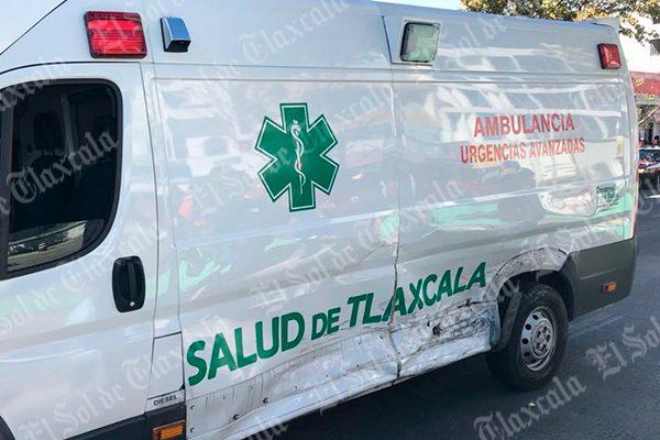 Se salvan peregrinos de ser atropellados por una ambulancia de la Sesa, en Apizaco