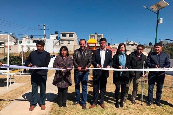 """Inaugura Anabell Ávalos centro de acondicionamiento físico """"Vive tu Parque"""", en Atlahapa"""