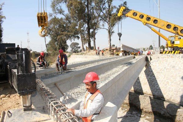 Concluye Secoduvi primera etapa de puente vehicular en Huactzinco y Axocomanitla