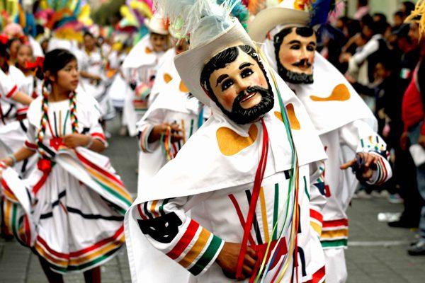 Convocan a camadas de huehues para participar en el  Carnaval de Tlaxcala 2018