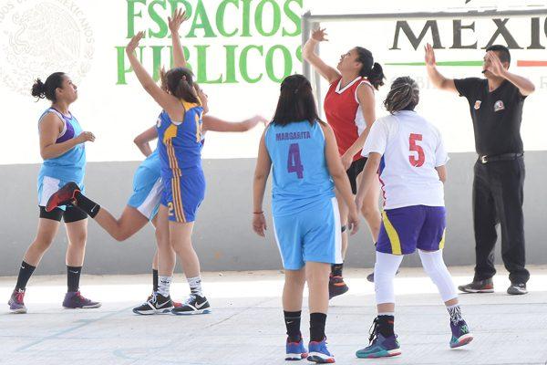 Alistan clínica de  arbitraje de básquet