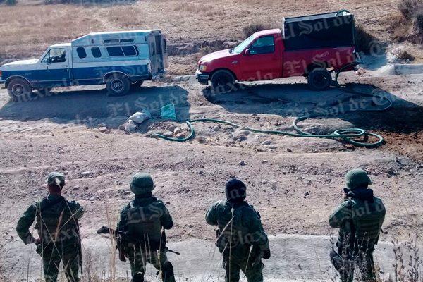 Aseguran dos camionetas en Calpulalpan usadas para trasladar huachicol