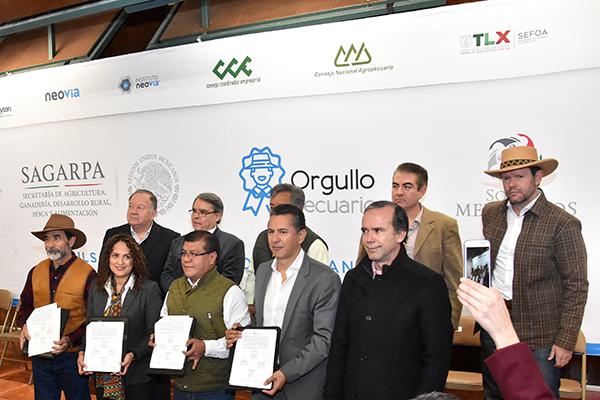 Este acuerdo es la suma de esfuerzos entre la Sagarpa, empresarios y gobierno estatal, así como productores y repatriados quienes no cuentan con trabajo. /Héctor LORENZO