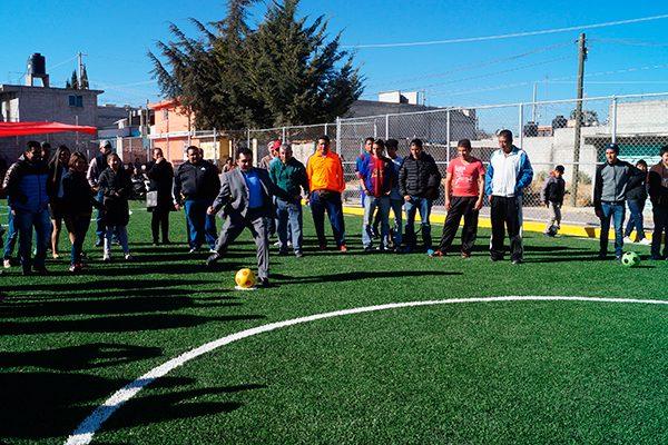 """""""El Picos"""", nombre de la nueva cancha de futbol de El Mirador"""