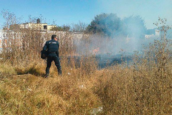 Sin control, las quemas  de pastizales en Panotla