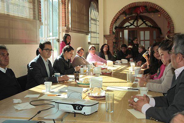 Encabeza Camacho reunión de trabajo con personal del Prodep