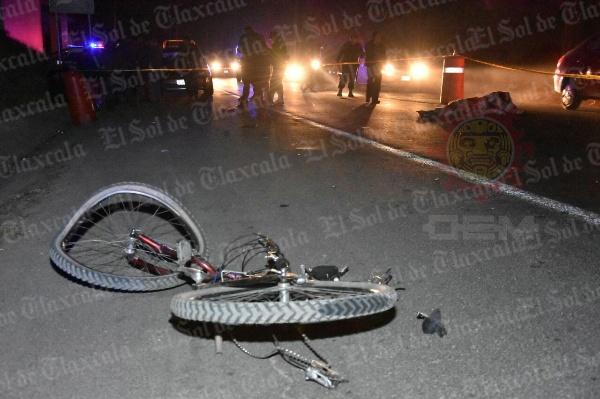 Cierra semana con un ciclista muerto al ser atropellado en Papalotla