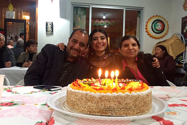 Nancy Flores celebra cumpleaños