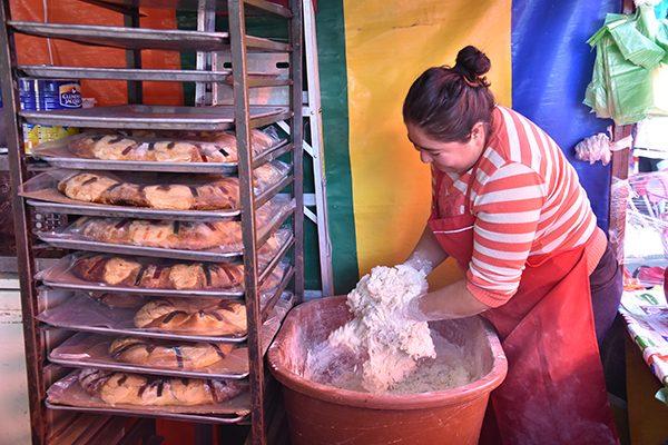 Por el alza en los insumos, aumentan los precios de la tradicional Rosca de Reyes