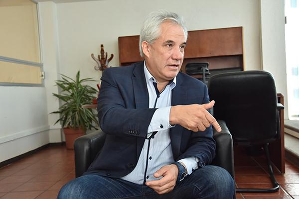 Noé Rodríguez Roldán, Secretario de Comunicaciones y Transportes del Estado, pidió la comprensión de los usuarios al tiempo que aseguró que solucionarán el problema. /Héctor LORENZO