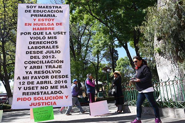 Solicita docente en huelga que tramiten su jubilación