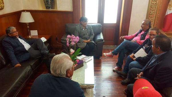 La presidenta municipal, Anabell Ávalos Zempoalteca, ofreció al productor asociado todas las facilidades para la filmación de la bioserie. /EL SOL DE TLAXCALA