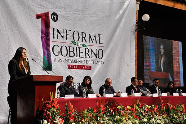 En su discurso, Gardenia Hernández Rodríguez anunció que en el año 2018 Tlaxco contará con proyectos turísticos para detonar el desarrollo de la región. /EL SOL DE TLAXCALA