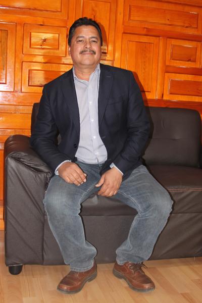 El alcalde de Yauhquemehcan, Francisco Villarreal Chairez, confirma que cumplieron con la queja de la Comisión Nacional de Derechos Humanos y sanean el agua que ensucia la población. /Tomás BAÑOS