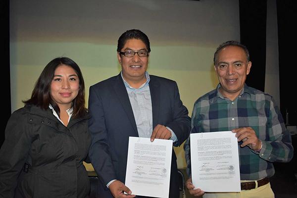 El presidente municipal de Zacatelco, Tomás Orea Albarrán, se reunió con el titular de la Secretaría de Turismo del Estado, Roberto Núñez Baleón. /EL SOL DE TLAXCALA