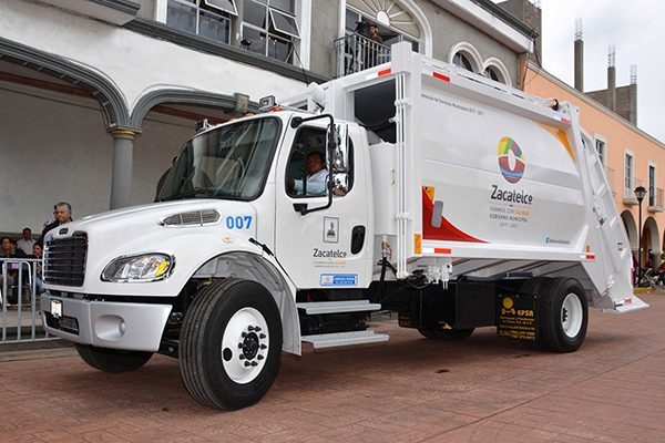 Trabaja Servicios Municipales para embellecer el municipio de Zacatelco