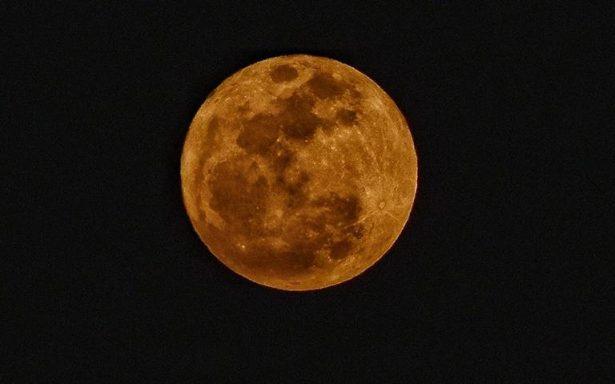 Superluna ilumina el inicio del 2018 en México y el mundo