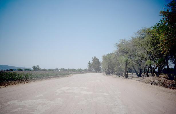 Piden habitantes asfaltar accesos a Tequisquiapan