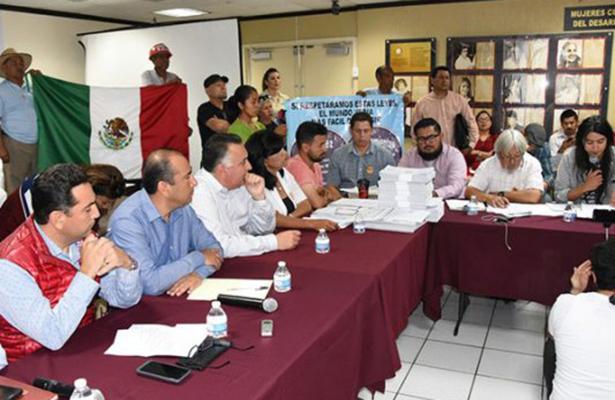 Liberan el Congreso de Baja California