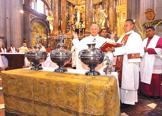 Arquidiócesis pide a sacerdotes trabajar, pese a amenazas