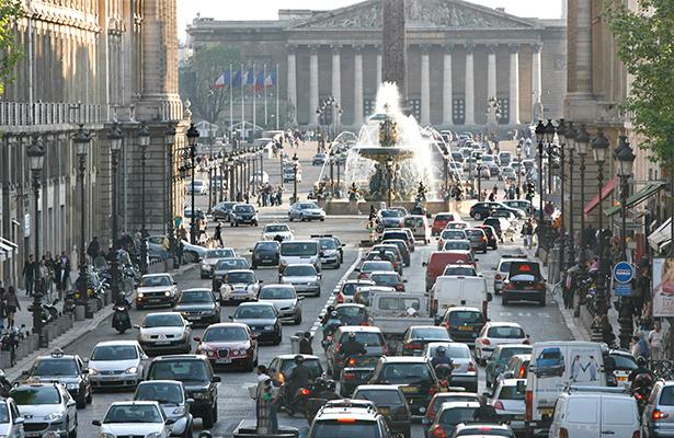 Francia prohibirá venta de automóviles que usen gasolina para el 2040