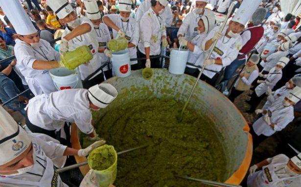 Jalisco establece Récord Guinness del Guacamole más grande del mundo y ¿más caro?