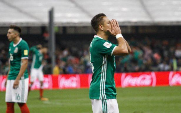 Meto más goles de los que fallo: Chicharito Hernández