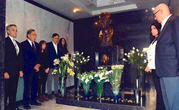 Conmemoran Mancera y Cárdenas 79 aniversario de la Expropiación Petrolera