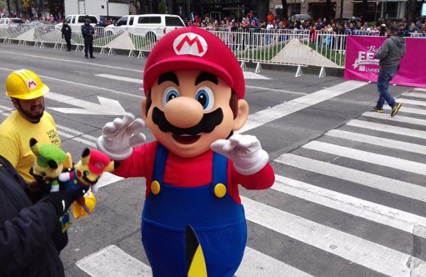 La navidad invade las calles de Reforma con gran desfile