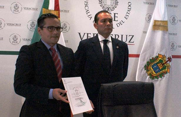 Perfilan al abogado de Daphne como Fiscal de Veracruz
