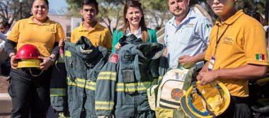Apoyan bomberos de EU a colegas de NL