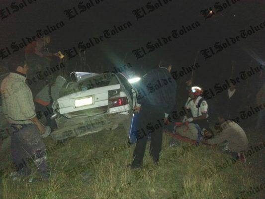 Encontronazo en la Toluca-Ixtlahuaca deja 2 muertos
