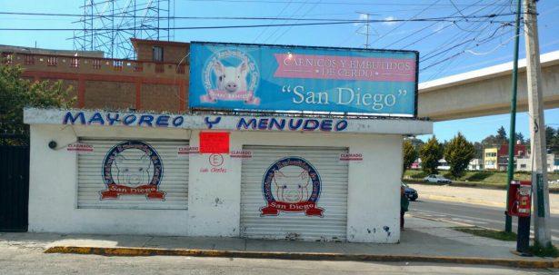SAT clausura refaccionaria y carnicería en Toluca