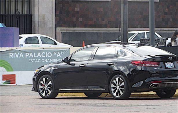 Pide PRD no eliminar tenencia a autos de lujo