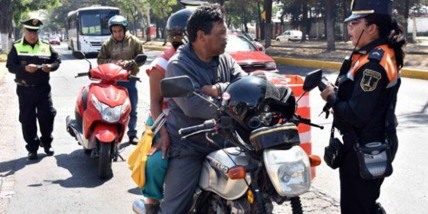 Motociclistas en Valle de Chalco no podrán ir acompañados